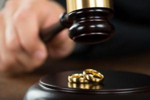 Порядок развода через суд в Москве: расскажем и поможем